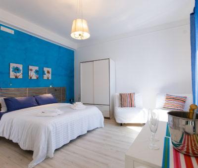 blue-room-2-400x340